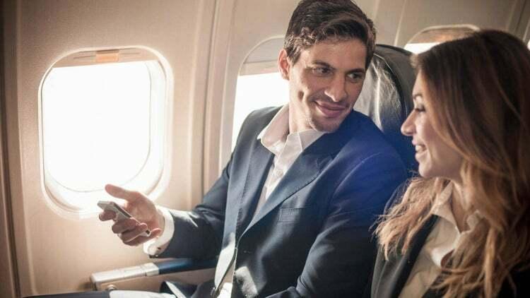 Cómo ahorrar dinero en efectivo cuando se viaja al extranjero
