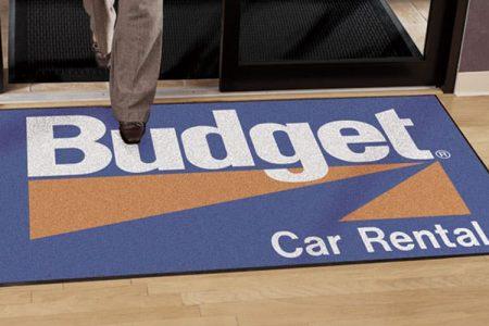 Consejos de diseño para alfombras con logotipos personalizados
